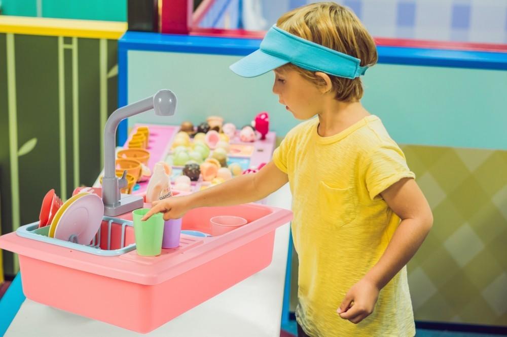 Chiuveta de bucatarie MalPlay pentru copii cu accesorii Roz